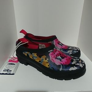 Joules pop on Navy Floral size 7